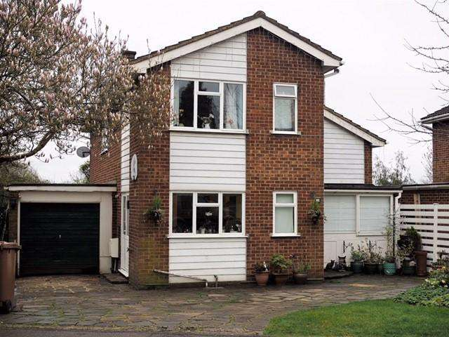 4 Bedrooms Detached House for sale in Arnett Way, Rickmansworth