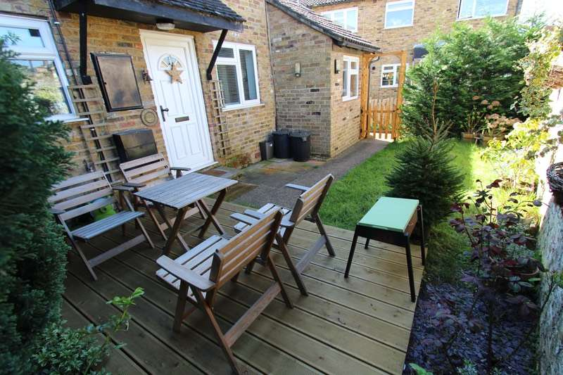 3 Bedrooms End Of Terrace House for sale in Rushes Mead, London, Middlesex, UB8