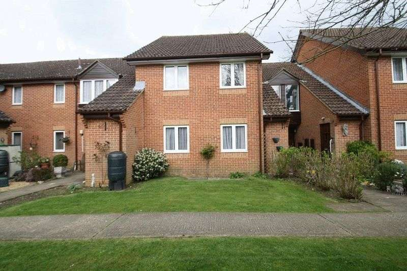 2 Bedrooms Retirement Property for sale in Rosewood Gardens, High Wycombe