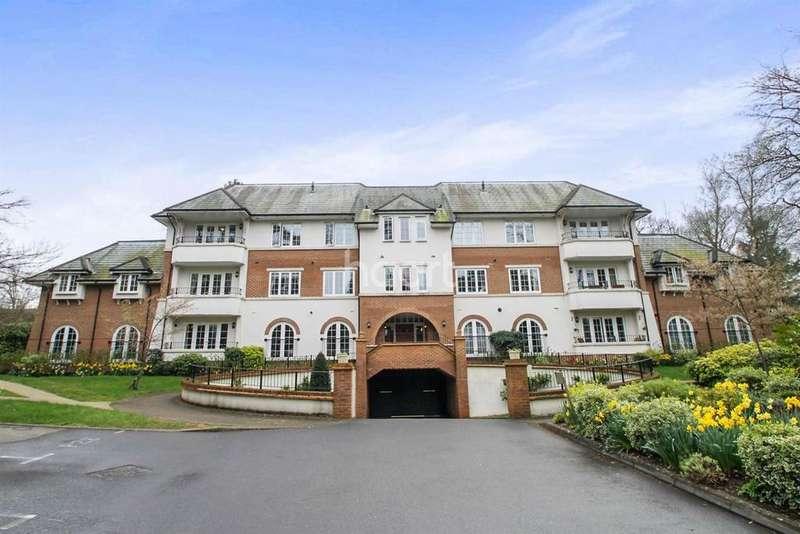 1 Bedroom Flat for sale in Wood Road, Hindhead, Surrey