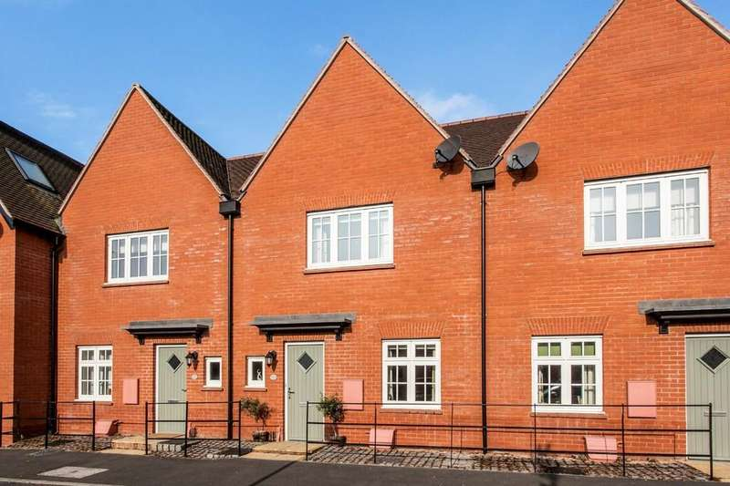 2 Bedrooms Terraced House for sale in Northanger Drive, Winchester, SO23