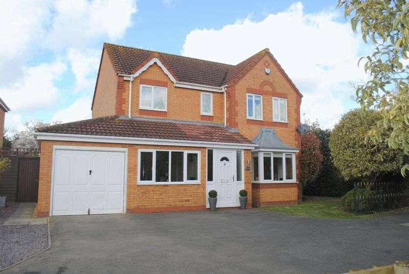 4 Bedrooms Detached House for sale in Centaine Road, Rushden