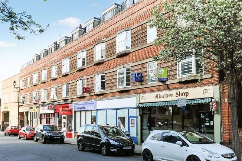 2 Bedrooms Flat for sale in St James Road, Surbiton