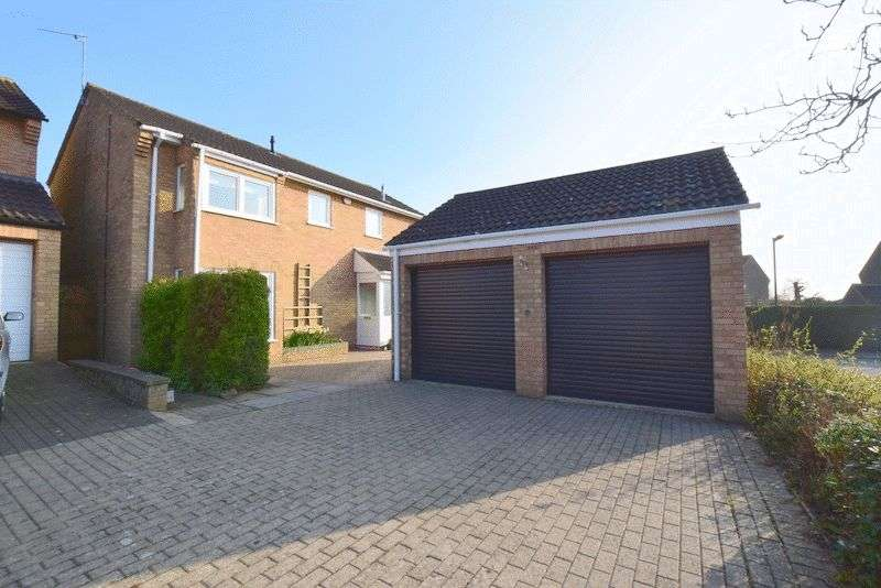 4 Bedrooms Detached House for sale in Hetton Close, Milton Keynes
