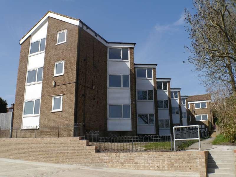 3 Bedrooms Flat for rent in Allfrey Plat Lower Street, Pulborough, RH20