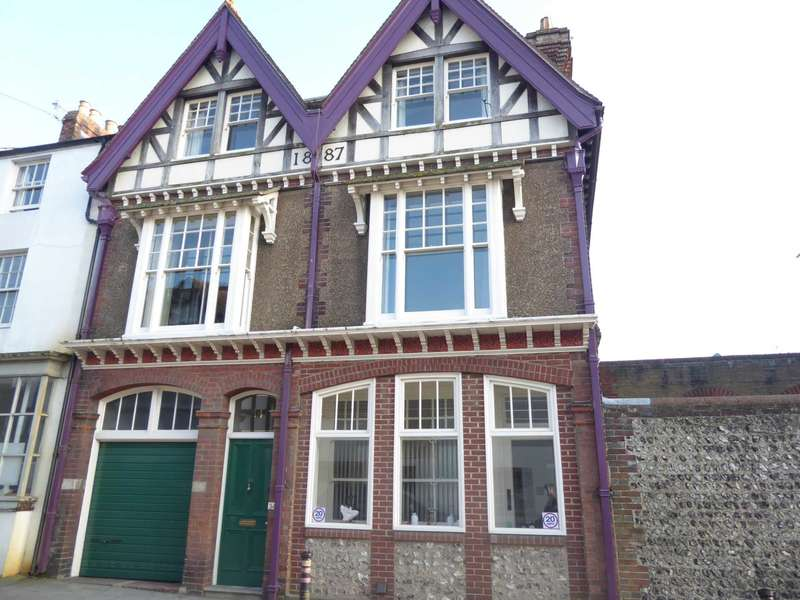 5 Bedrooms Town House for sale in Priory Street, Lewes