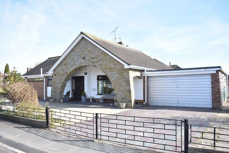 3 Bedrooms Detached Bungalow for sale in Highlands Road, Rhuddlan