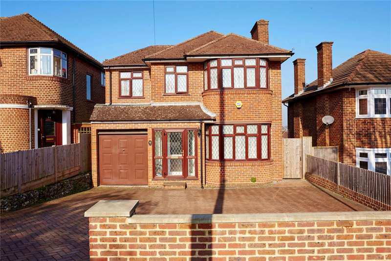 4 Bedrooms Detached House for sale in Derwent Drive, Purley, CR8