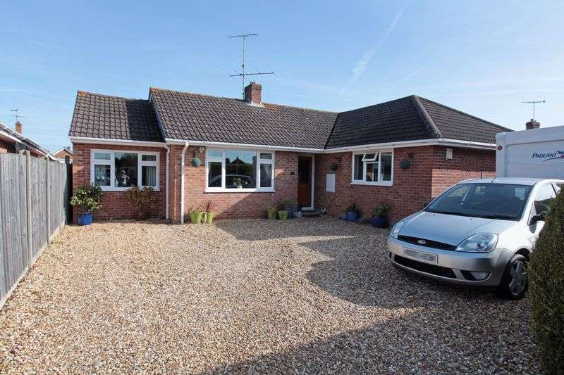 4 Bedrooms Detached Bungalow for sale in Downton, Salisbury, Wiltshire