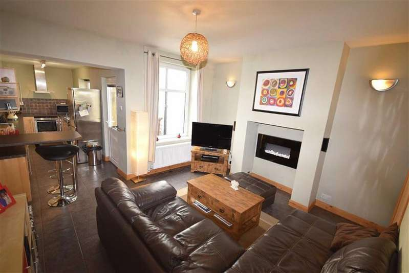 2 Bedrooms Terraced House for sale in May Street, Barrowford, Lancashire