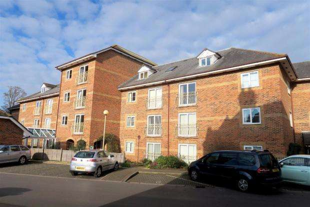 1 Bedroom Ground Flat for sale in Beech Court, Tower Street, Taunton TA1