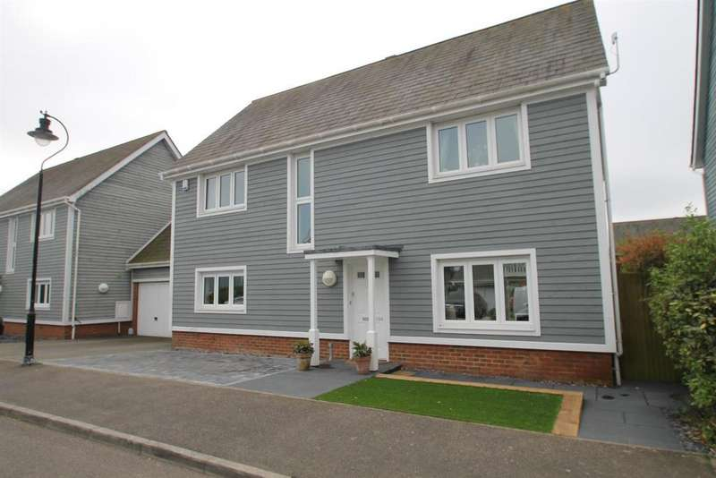 5 Bedrooms Detached House for sale in The Lakes, Larkfield, Aylesford