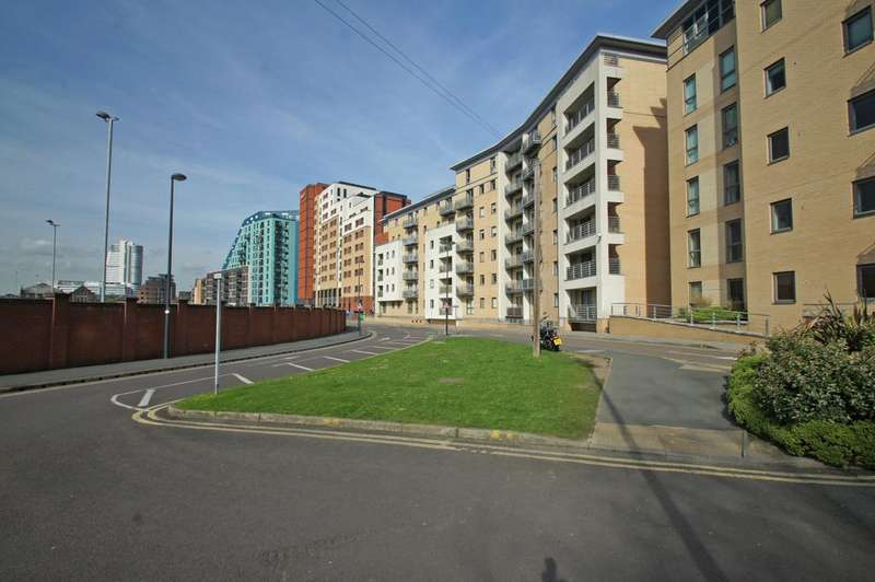 1 Bedroom Apartment Flat for sale in Cromwell Court, 10 Bowman Lane, Brewery Wharf, Leeds 10