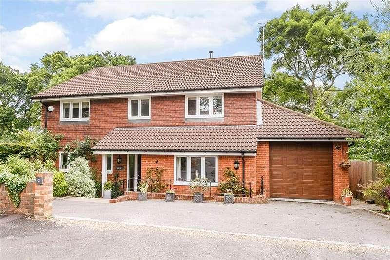 4 Bedrooms Detached House for sale in Woodmancourt, Godalming, Surrey, GU7
