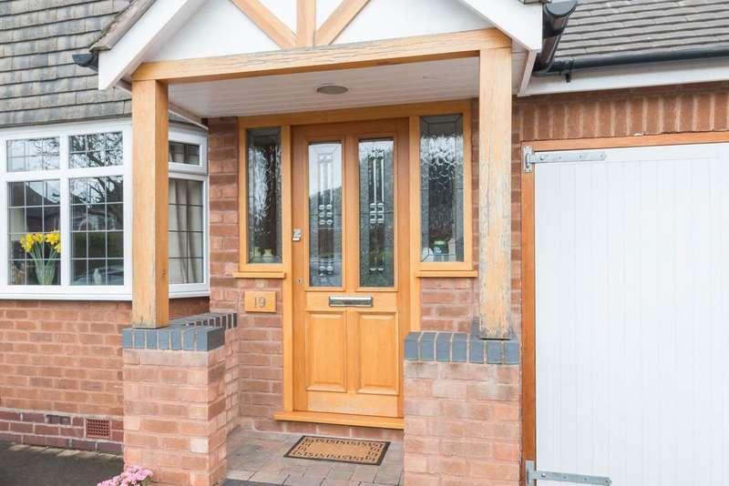 4 Bedrooms Semi Detached House for sale in Brentford Road, Solihull, West Midlands