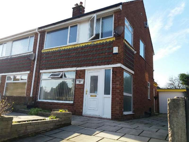 3 Bedrooms Semi Detached House for sale in Highcroft Avenue, Blackpool, FY2 0BW