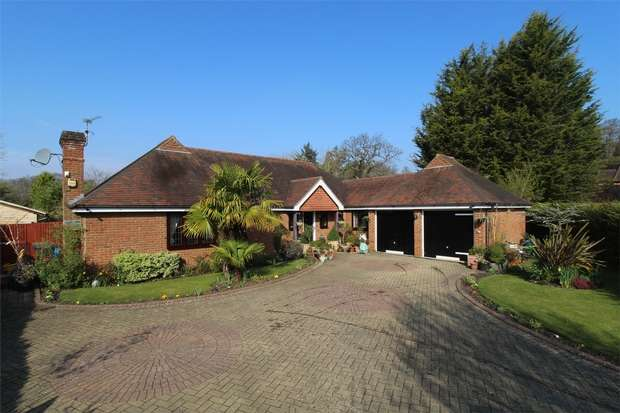 4 Bedrooms Detached Bungalow for sale in Worplesdon, Guildford, Surrey