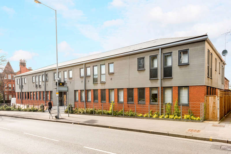 2 Bedrooms Flat for sale in Kingston Hill, Kingston Upon Thames, KT2
