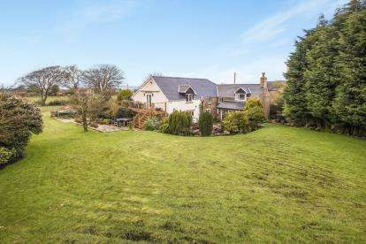 5 Bedrooms Detached House for sale in Bury Lane, Withnell, Chorley, Lancashire