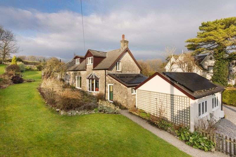 5 Bedrooms Property for sale in Stallcourt Mews, Stallcourt Close, Cowbridge CF71 7JU
