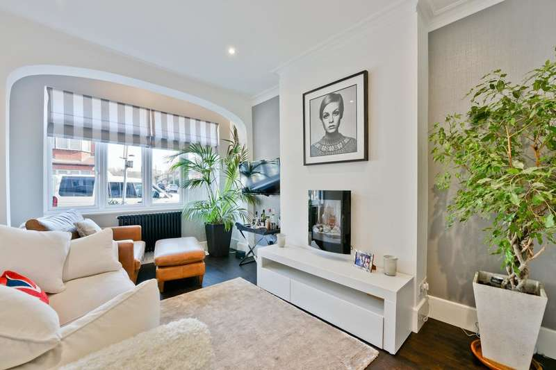 4 Bedrooms Terraced House for sale in Links Road, London SW17