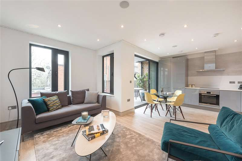 3 Bedrooms Flat for sale in Honeywood Road, Willesden, London, NW10