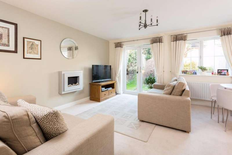 3 Bedrooms Detached House for sale in Church Gate, Beckfield Lane, York