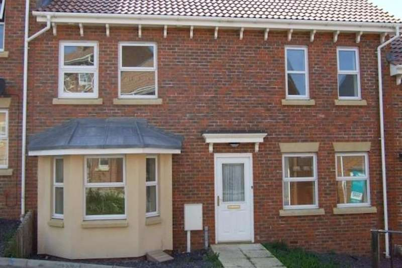 3 Bedrooms Terraced House for sale in Hannah Close, Chatham