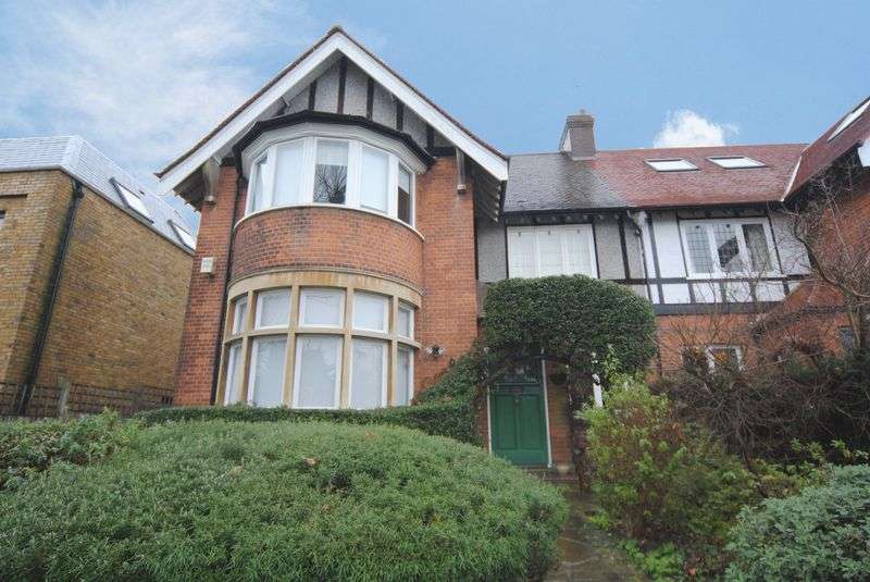 5 Bedrooms Semi Detached House for sale in Windermere Avenue, Finchley, N3
