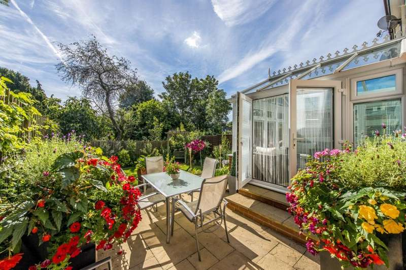 3 Bedrooms End Of Terrace House for sale in Northstead Road, London, SW2