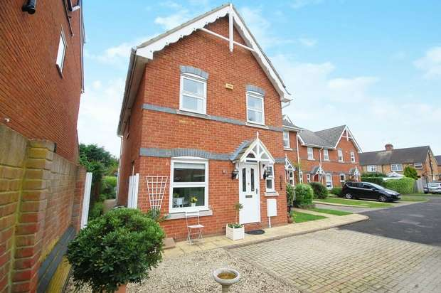 3 Bedrooms End Of Terrace House for sale in Valery Place, Hampton