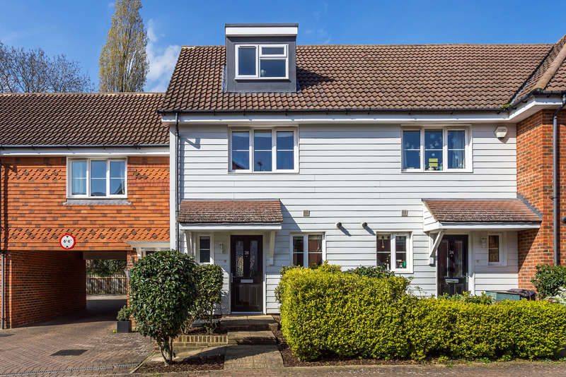 3 Bedrooms End Of Terrace House for sale in Albion Way, Edenbridge, TN8