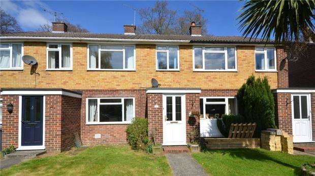 3 Bedrooms Terraced House for sale in Walnut Close, Yateley, Hampshire