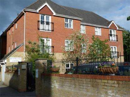 2 Bedrooms Flat for sale in Heathcote Road, Bournemouth, Dorset