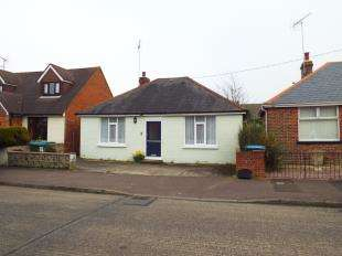 2 Bedrooms Bungalow for sale in Lansdowne Road, Littlehampton, West Sussex