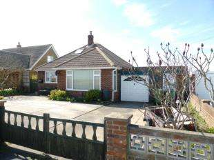 3 Bedrooms Bungalow for sale in The Parade, Greatstone, New Romney