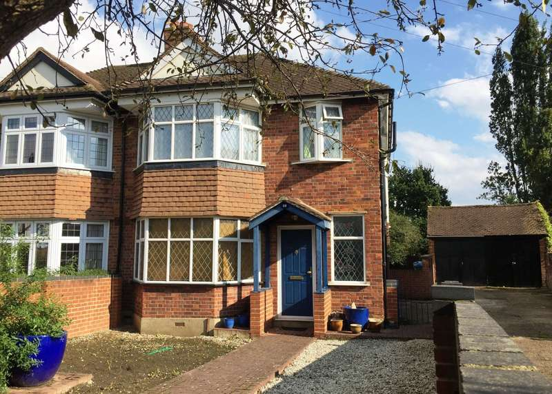4 Bedrooms Semi Detached House for sale in Kingston Vale