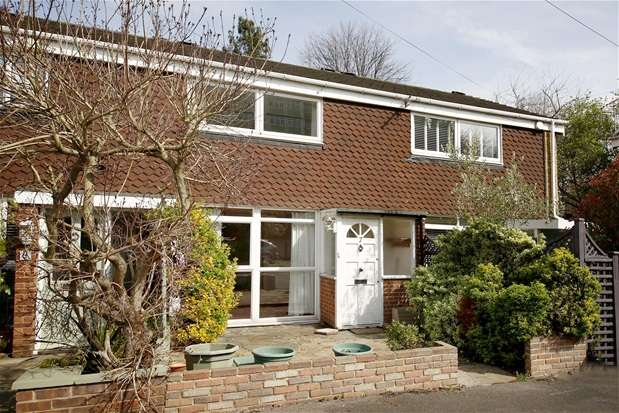 2 Bedrooms Terraced House for sale in Suncroft Place, Sydenham