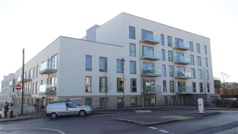 2 Bedrooms Flat for rent in The Summit, Upper Terrace Road,
