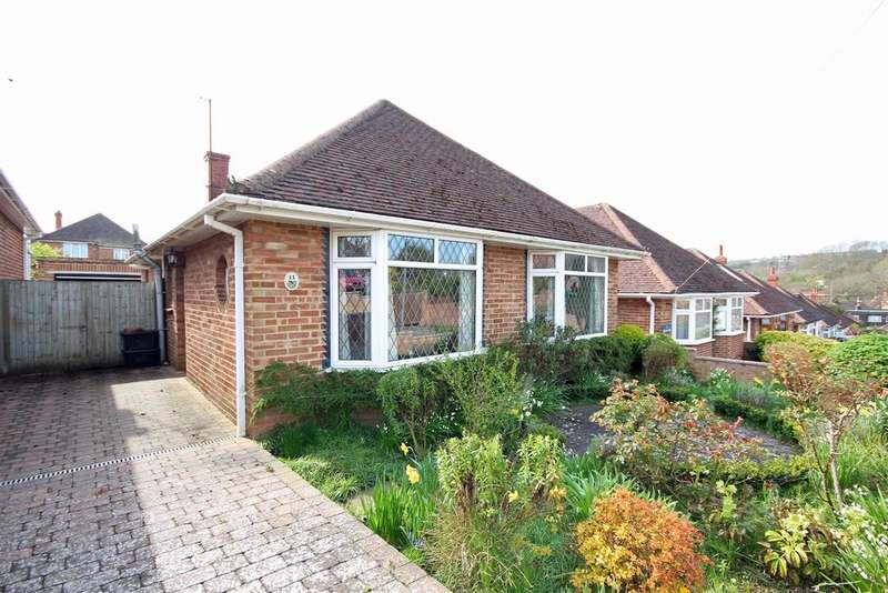3 Bedrooms Detached Bungalow for sale in Highview Way, Patcham, Brighton