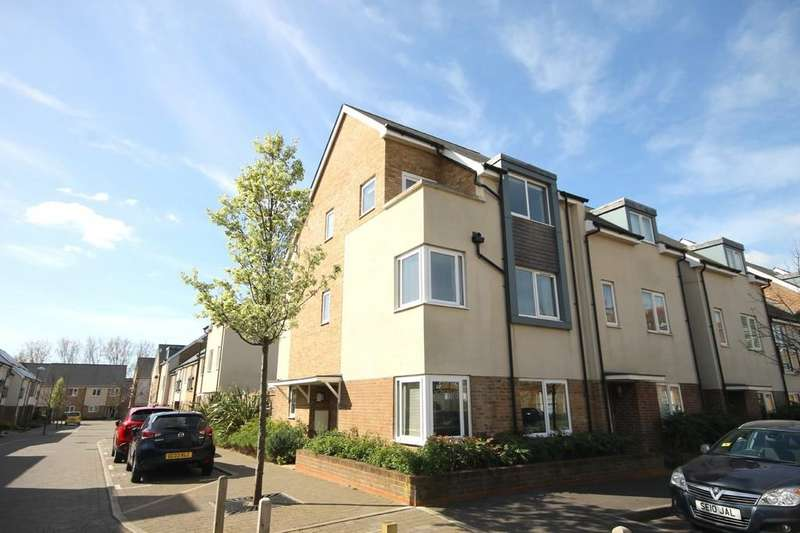 4 Bedrooms Semi Detached House for sale in Rainbow Square, Shoreham-by-Sea