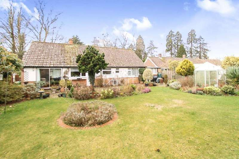 3 Bedrooms Bungalow for sale in Headley Fields, Headley, Hampshire
