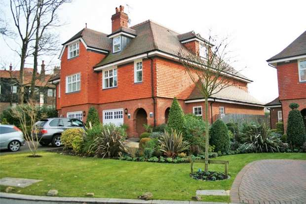 3 Bedrooms Semi Detached House for sale in Wall Hall, Aldenham, WATFORD, Hertfordshire