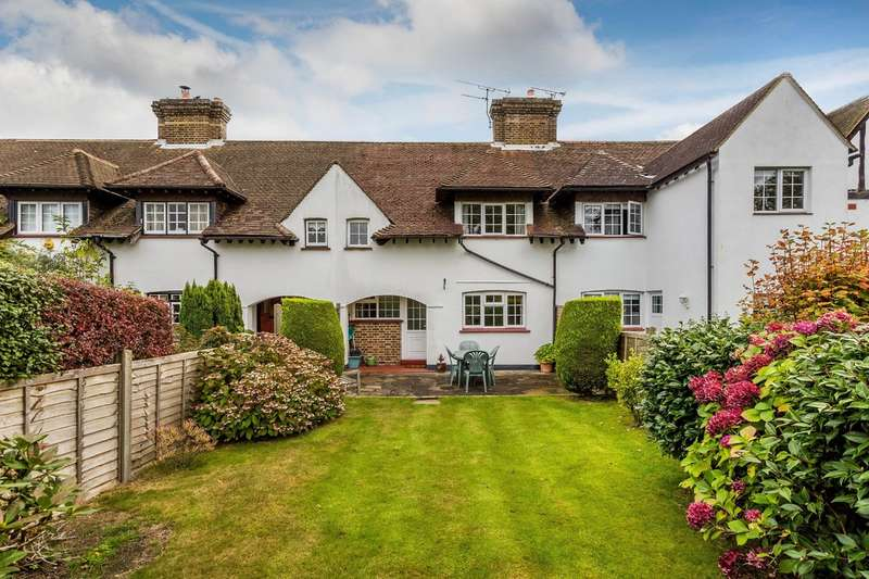 2 Bedrooms Terraced House for sale in Slines Oak Road, Woldingham.
