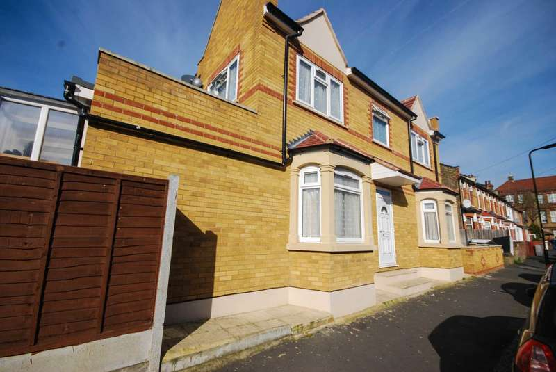 2 Bedrooms Terraced House for sale in Murchison Road, Leyton