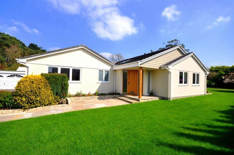 4 Bedrooms Detached Bungalow for sale in Burton Close, Ashley Heath, Ringwood, BH24 2JE
