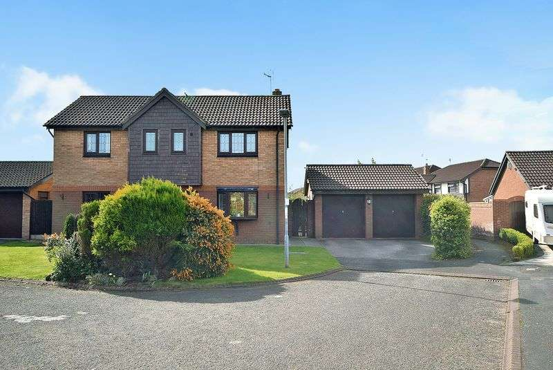 4 Bedrooms Detached House for sale in Newland Close, WIDNES