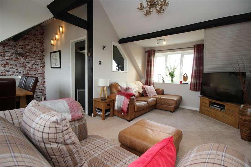 2 Bedrooms Flat for sale in Ingram Street, Malmesbury
