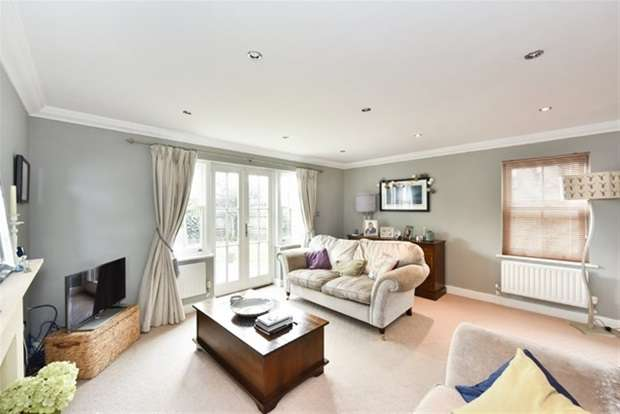 4 Bedrooms Link Detached House for sale in The Old Brewery, Rode, Frome