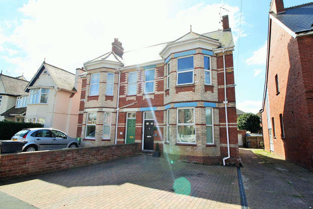 4 Bedrooms Property for sale in Lyndhurst Road, Exmouth, EX8